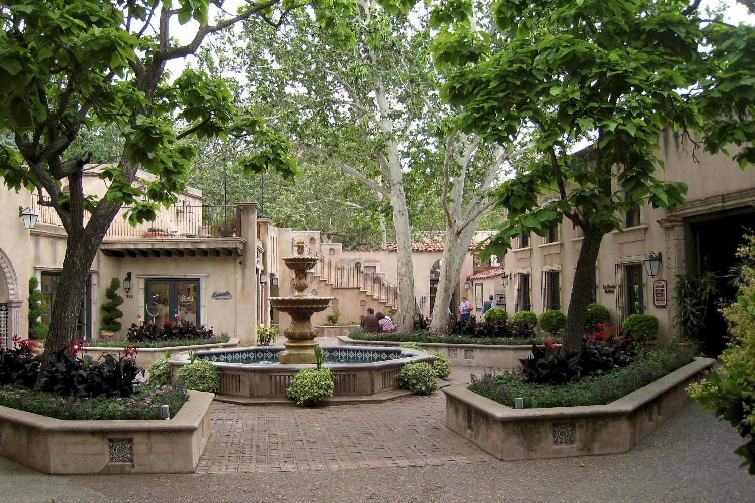 Tlaquepaque plaza for Michaels crafts pittsford plaza