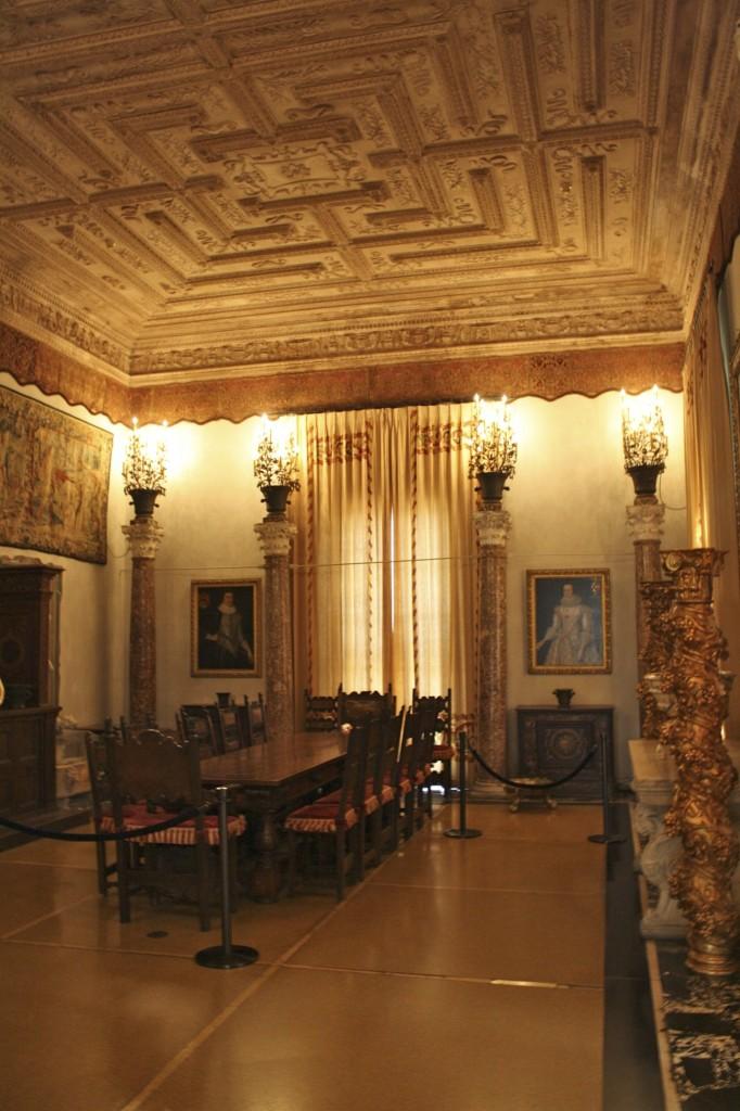 Photo essay vizcaya museum gardens miami florida for Best private dining rooms miami
