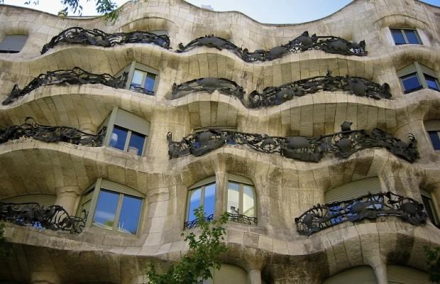 Barcelona Modernism And Antoni Gaud 237