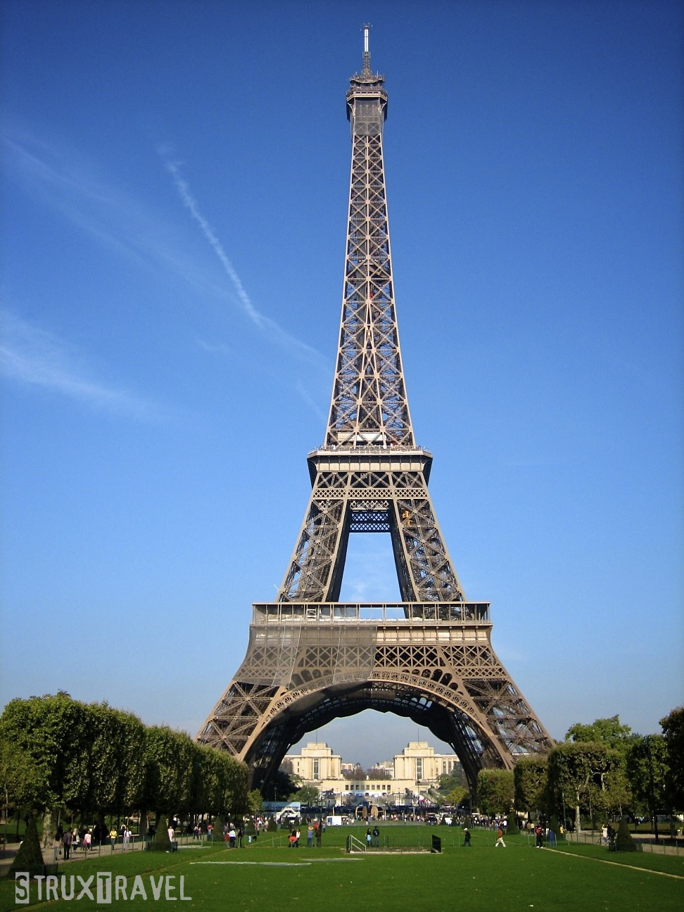 eiffel tower   Two Maj...